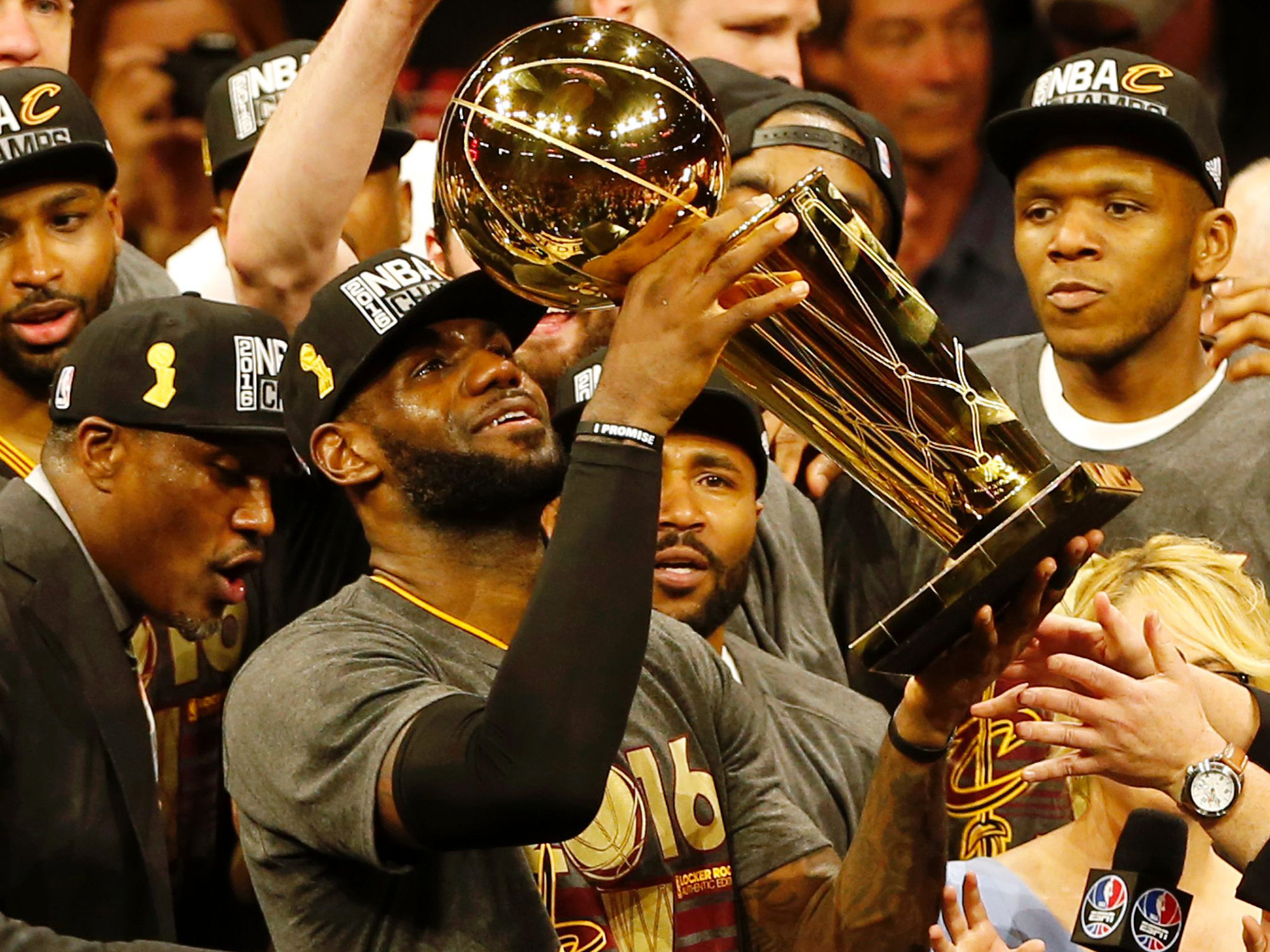 Cleveland Cavaliers Owner Spending $1 Million to Give All ...