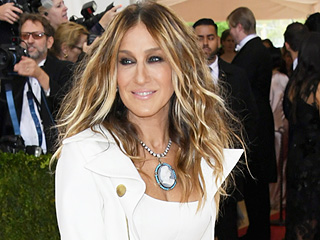 Sarah Jessica Parker Defends Her Met Gala Hamilton-Inspired Look After Blogger Backlash: 'I'm a Stickler for the Theme'