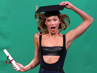 Watch Karlie Kloss Help Jimmy Fallon with His Modeling Skills in Epic Midair Pose-Off