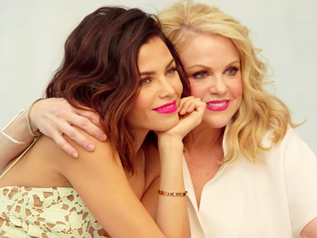 """Learn How Being """"Smothered In Kisses"""" Helped Jenna Dewan Tatum Become a Good Mother Herself"""