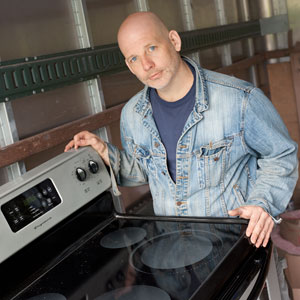 Scott Omelianuk with a stove similar to the one in The Great TOH Giveaway