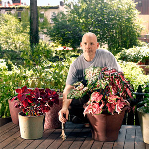 toh editor  Scott Omelianuk surrounded by his gardens