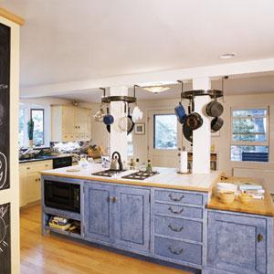 Maximizing kitchen storage small kitchens kitchen for Russells kitchen units