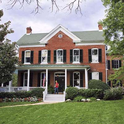 Victorian farmhouse with 3-story addition