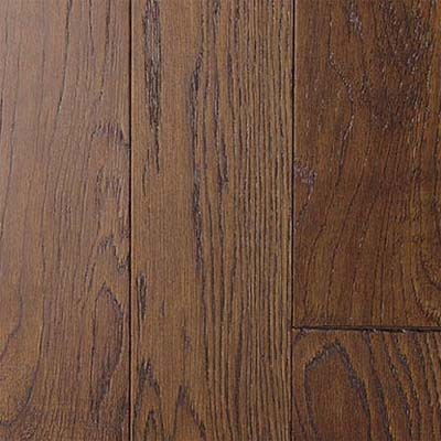 closeup on white oak engineered flooring