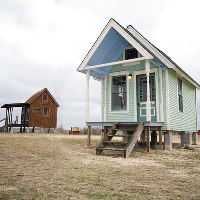 tiny houses in Texas made from reclaimed materials