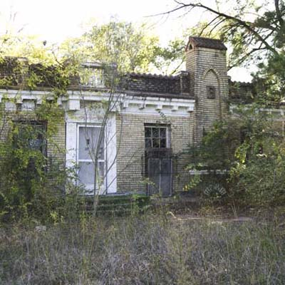 brick castle in texas that needs renovation