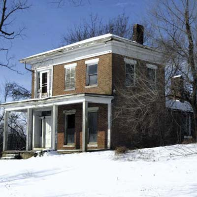 house with view of mississippi river