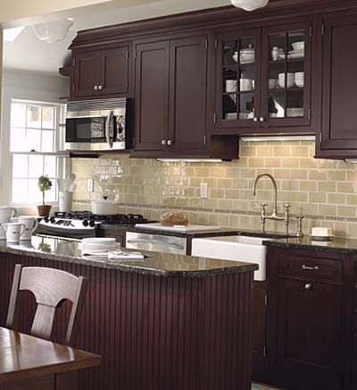 kitchen with peninsula and furniture-like cabinetry