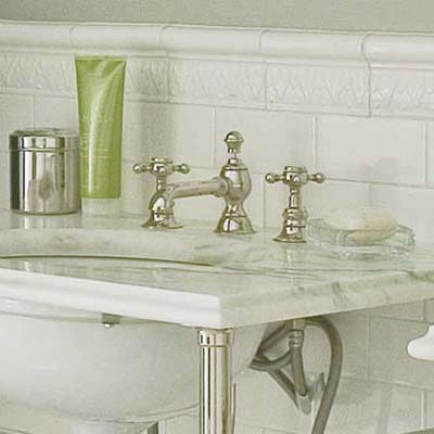 cross-handle bathroom faucet