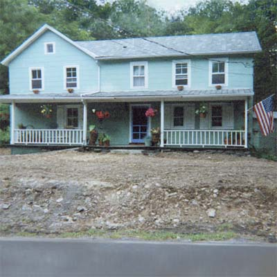 before image of the soon-to-be remodeled farmhouse