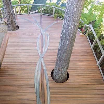 composite deck with design using bent boards