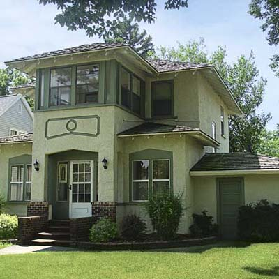 example of a best old house in the neighborhood of pierre south dakota