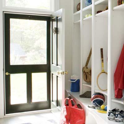 screen door entrance to mudroom