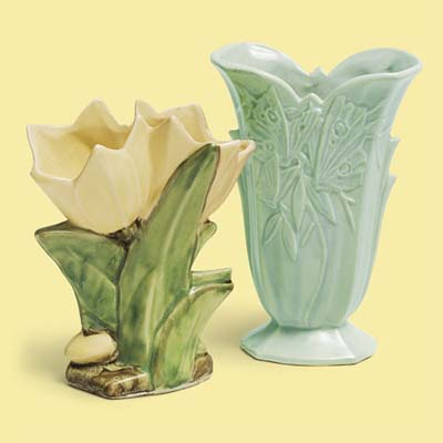 art pottery vases for this vintage look kitchen