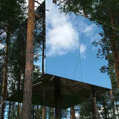 mirrorcube in the tree hotel, sweeden