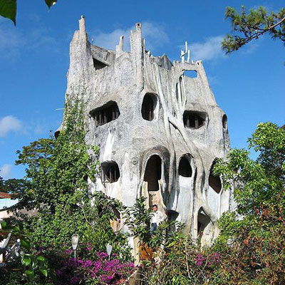 the crazy house in vietnam