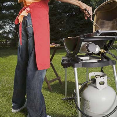 outdoor grill propane tank