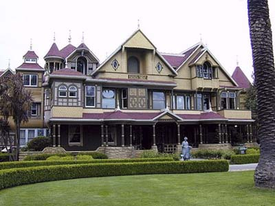 Winchester Mystery House, Haunted Queen Anne