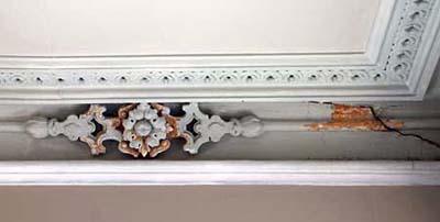 thick finish on Scott Omelianuk's plaster ornament
