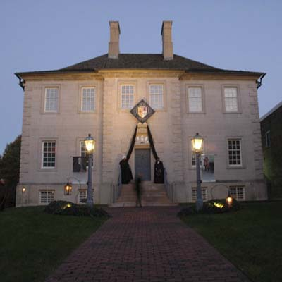 the haunted historical carlyle house in virginia