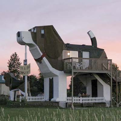 inn shaped like a beagle; dog-shaped b&b; dog bark park inn in idaho