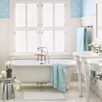 Victorian how to create a modern bath in a vintage style for Victorian bathroom design ideas