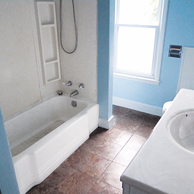 Old bathroom before renovation