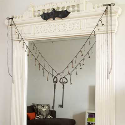 Skeleton-key Garland salvage style DIY Halloween Party Decoration