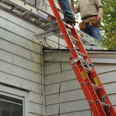 Extension ladder locks