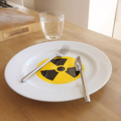 Radioactive dining plate and cutlery