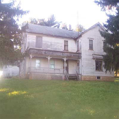 South Wayne, Wisconsin, farmhouse before turned into spectacular home