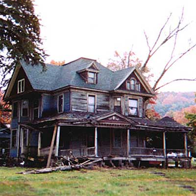 Wilcox, Pennsylvania victorian before  turned into spectacular home