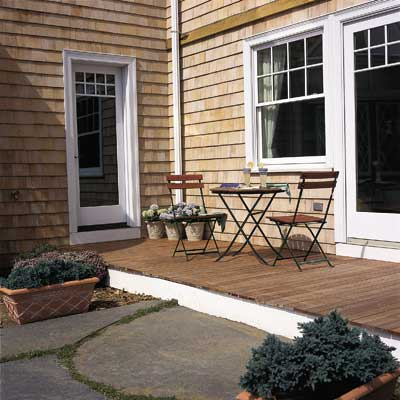 Add a Simple Deck to your Backyard for a great summer projects