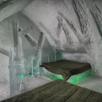 Hotel de Glace ice bedroom