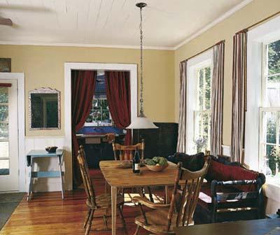 mining cabin dining room