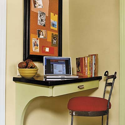 curved corkboard as a desk area