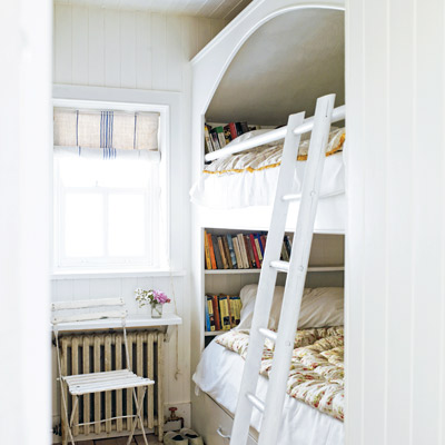 cottage style built-in bunkbeds
