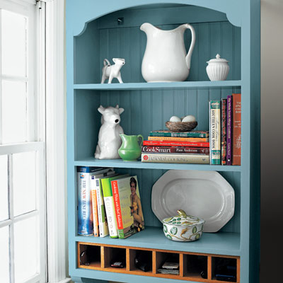 cottage style kitchen with with wall-hung storage cabinet
