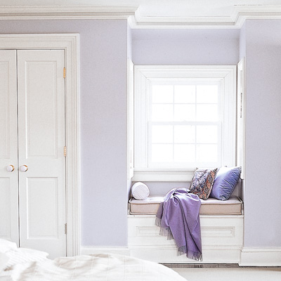 window seat in purple bedroom