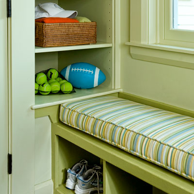 window seat with sidewall shelves for storage