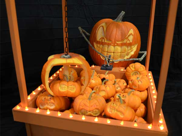 Winner! Pumpkin Pickup from the 2012 this old house Pumpkin-Carving Contest Winners gallery