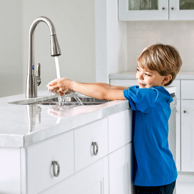 MotionSense Arbor kitchen faucet from Moen with no-touch sensors