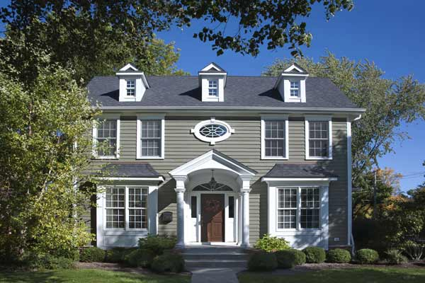 Sharp Contrast Paint Color Ideas For Colonial Revival