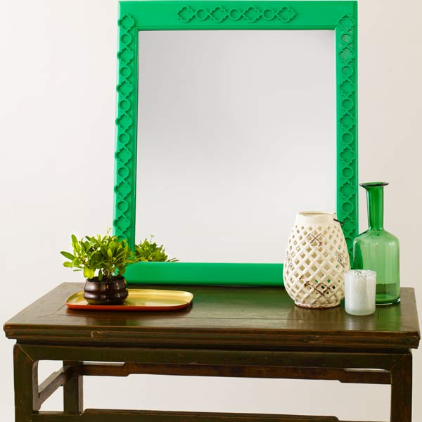 mirror with a face-lift