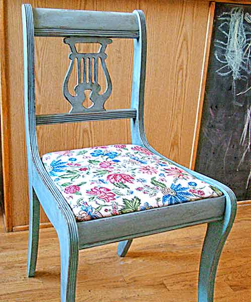 money saving blogger DIY project chair with homemade chalk paint