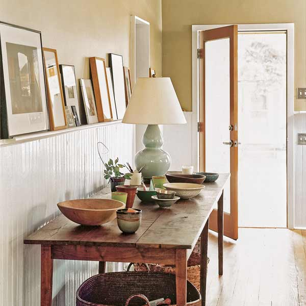 easy thrifty vintage charm update add display rail on top of wainscoting