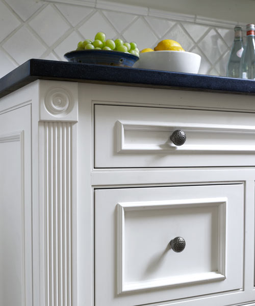 Kitchen Cabinets Moulding: 11 Ways To Give Your Home A