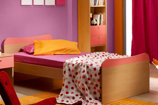 kids' room with Glidden Blooming Fuchsia purple paint on walls, Pantone color of the year 2014 radiant orchid