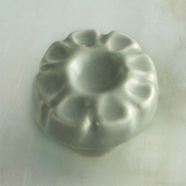Sculpted Flora Ceramic Cabinet Knob